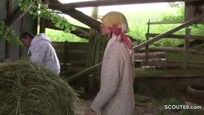Bäuerin fickt knecht